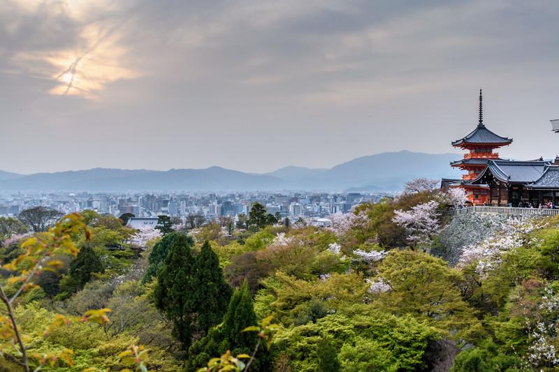 Kiyomizudera at dusk || Kyoto