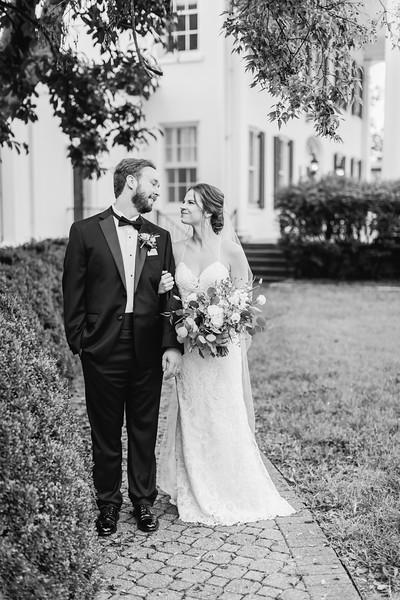 444_Ryan+Hannah_WeddingBW.jpg