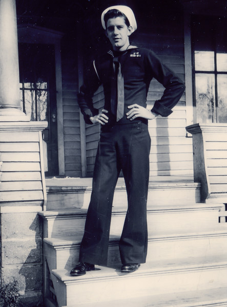 1946: Art in his Navy Unifrom