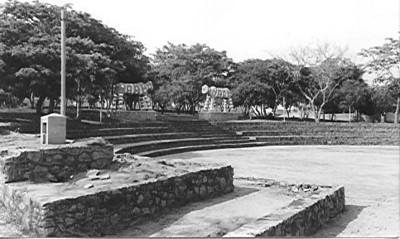 Dundo- Vila do Museu - recinto de Festas