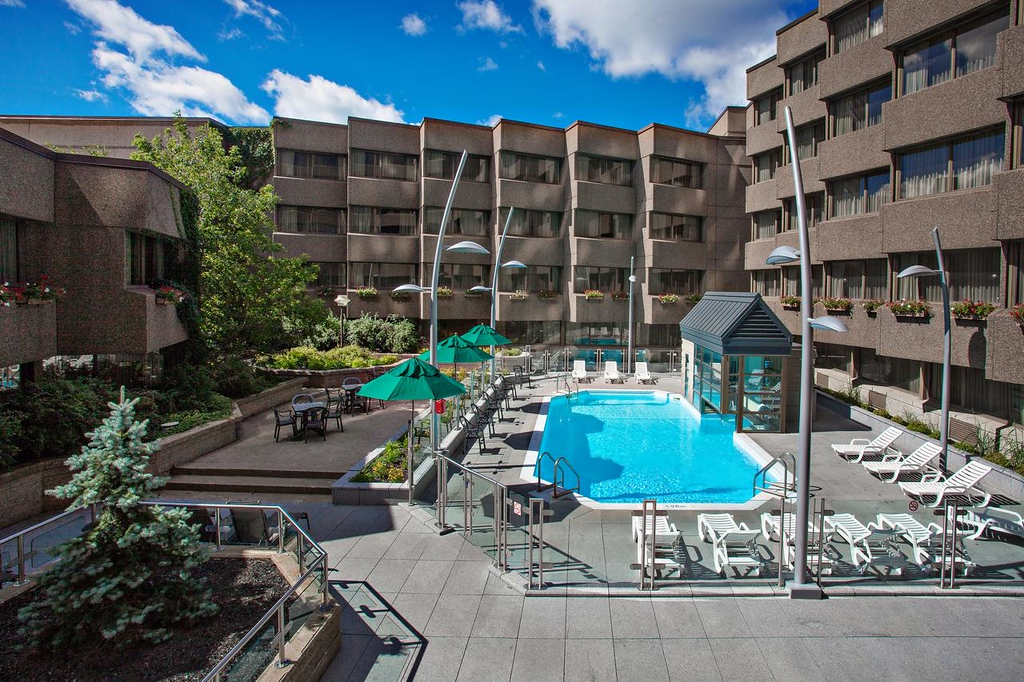 Quebec City Hotels with a Pool: Delta Quebec