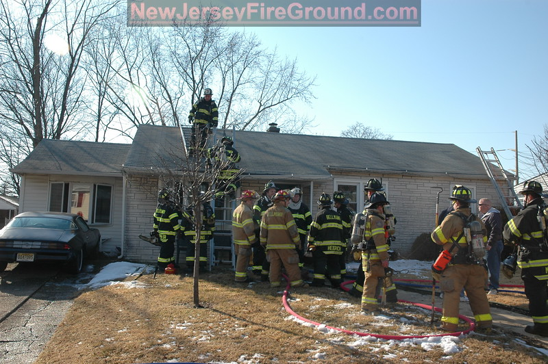2-7-2009(Camden County)BELLMAWR 28 Summit Ave-All Hands Dwelling
