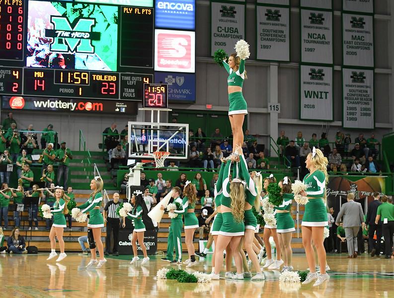 cheerleaders8315.jpg