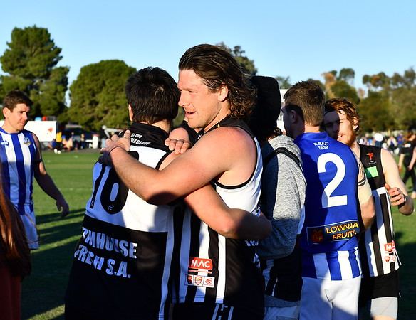 """2018 """"A"""" Grade Medal Presentation and Club song by Waikerie"""
