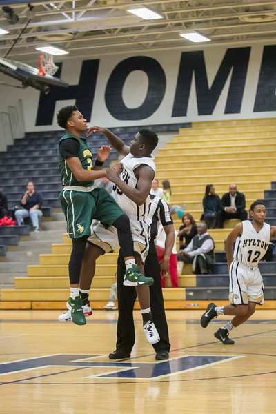 2015_12_11 Basketball Hylton vs Woodbridge