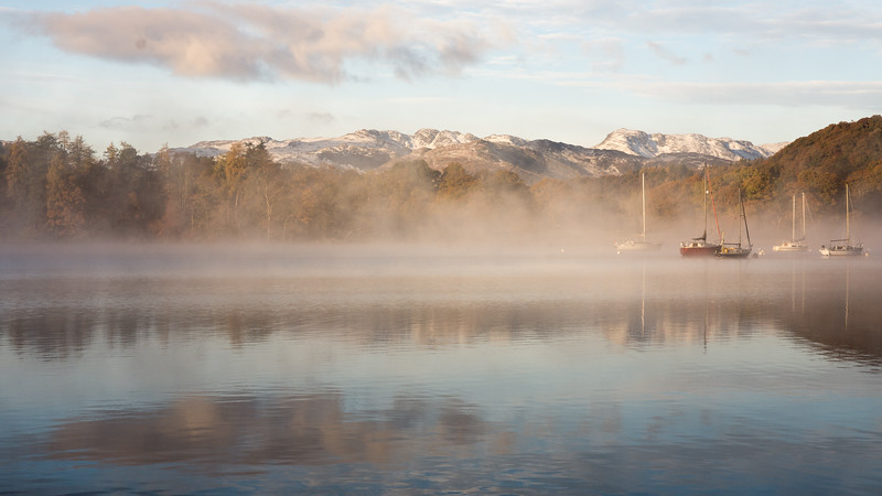 Morning mist on Windermere lake