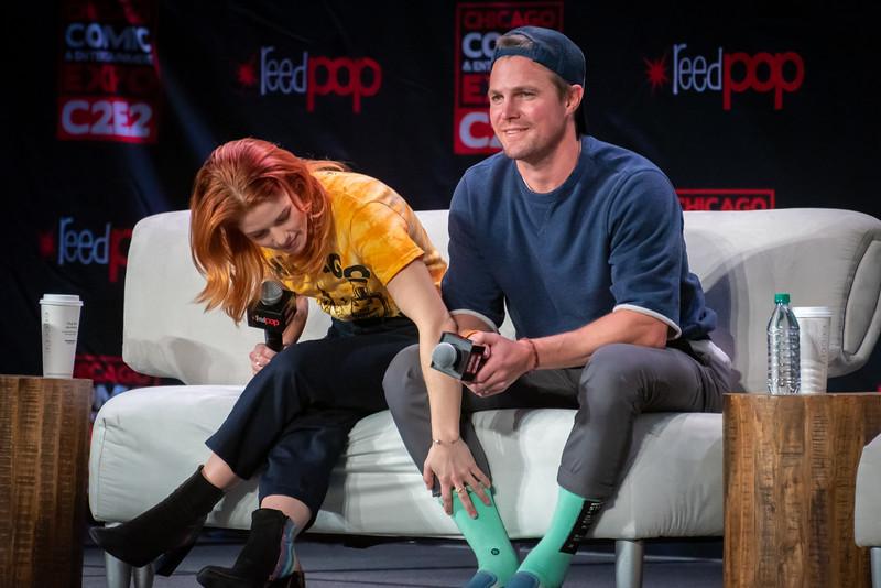 Emily Bett Rickards and Stephen Amell