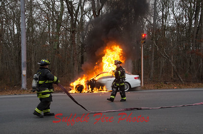 Brookhaven FD Car Fire Montauk Hwy and Smith Rd. [12-7-16]