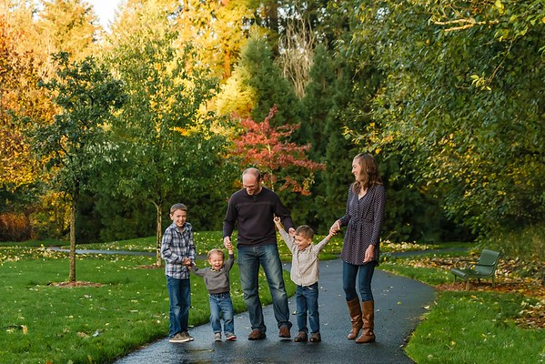 The R Family at Rood Bridge Park Hillsboro Oregon