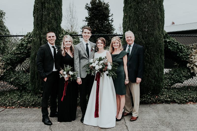 KTWedding-Familyphoto-1.jpg