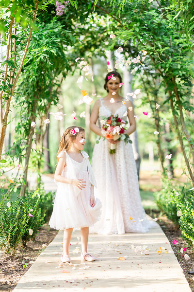 Daria_Ratliff_Photography_Styled_shoot_Perfect_Wedding_Guide_high_Res-197.jpg