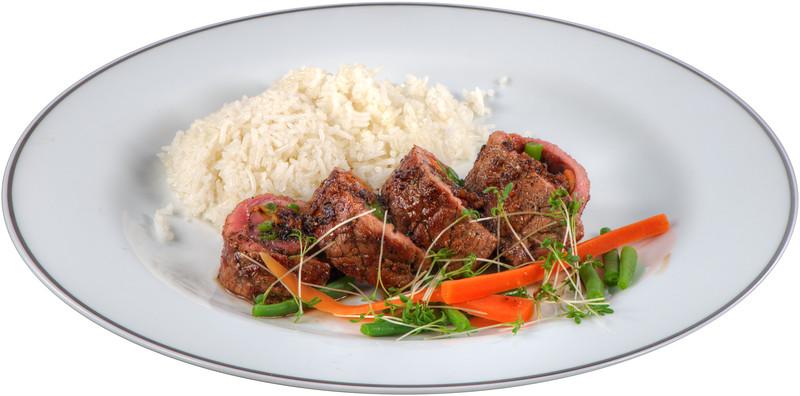 Rindfleisch-Gemüse-Rollen