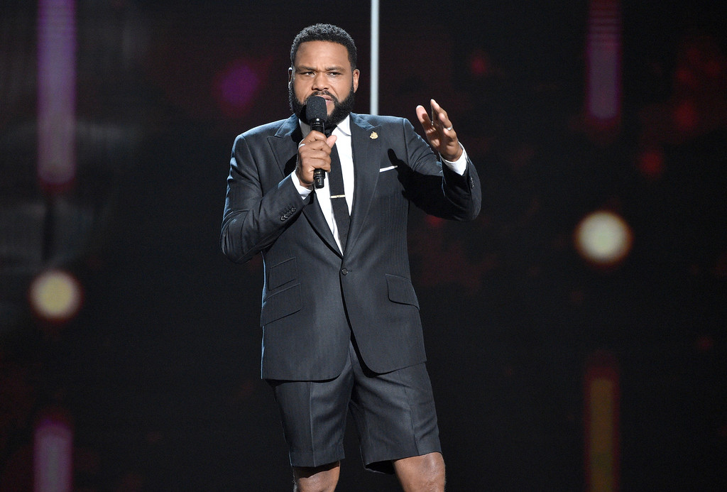 . Host Anthony Anderson speaks at the NBA Awards on Monday, June 25, 2018, at the Barker Hangar in Santa Monica, Calif. (Photo by Chris Pizzello/Invision/AP)