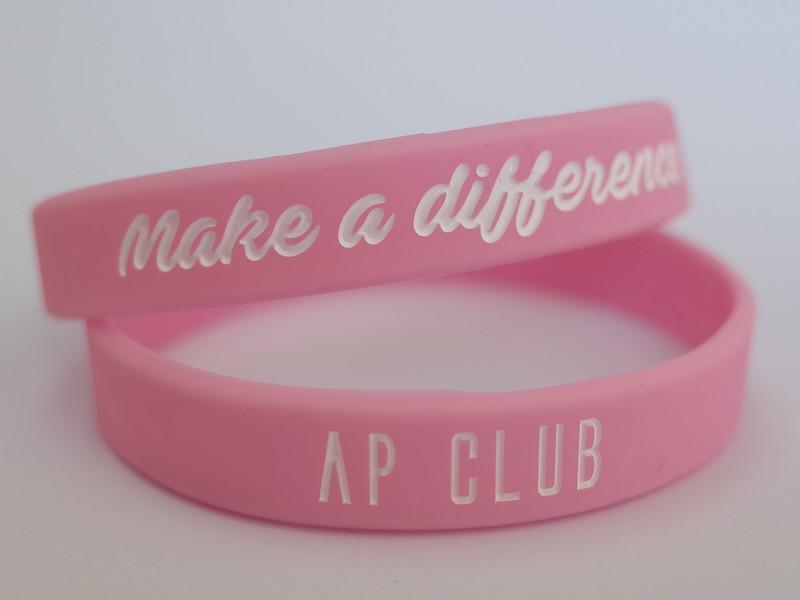 Make a difference AP CLUBデボス加工リストバンド