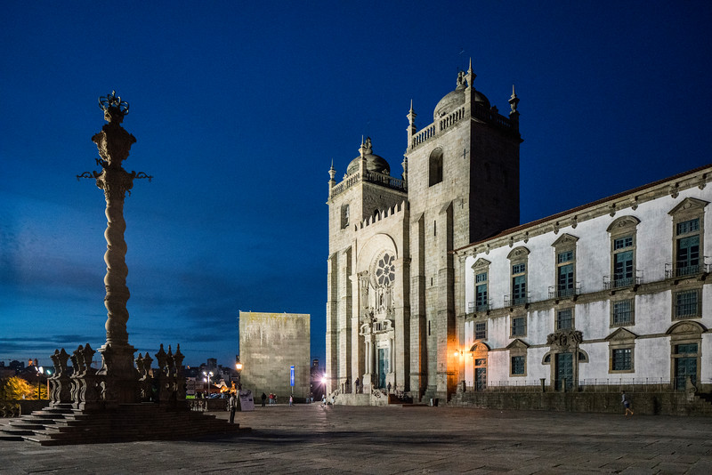 Cathedral of Porto (Portugal) at dusk