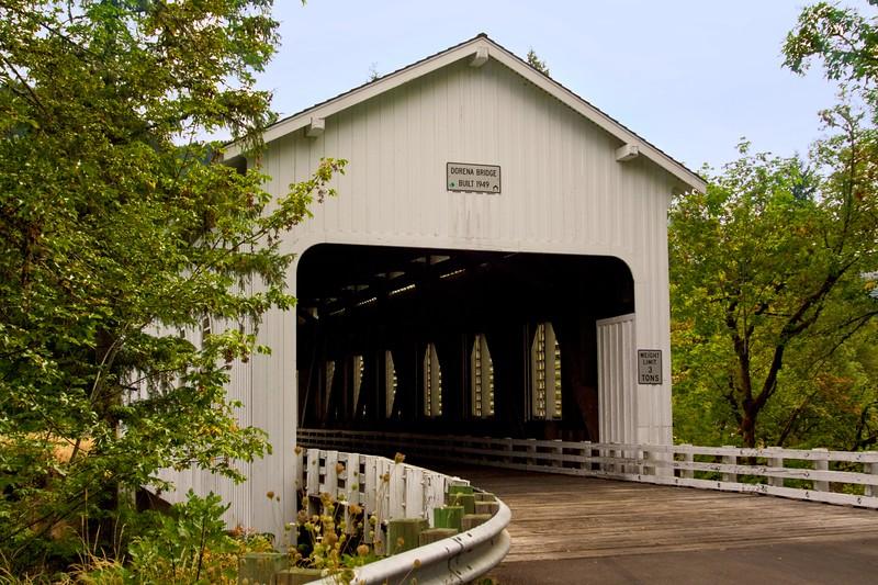 Dorena Covered Bridge 5596.jpg