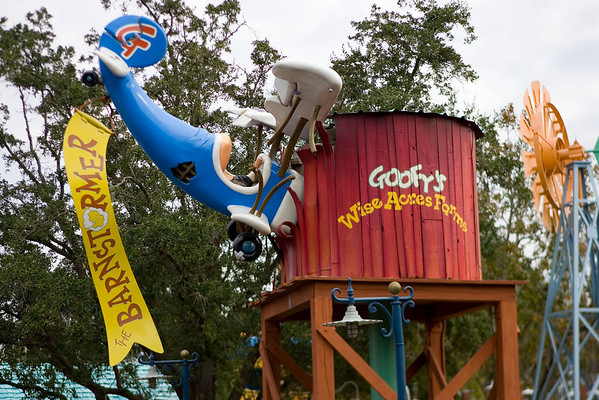 The Barnstormer at Goofy's Wiseacre Farm