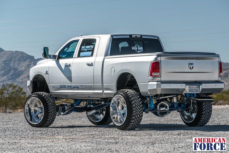Ridin'-High-Silver-Dodge-Ram-161105-DSC02834-51.jpg