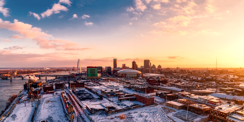 downtown stl pano from the north march 2019-2.jpg