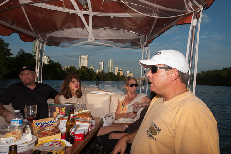 Travelhost_Party-0860.jpg