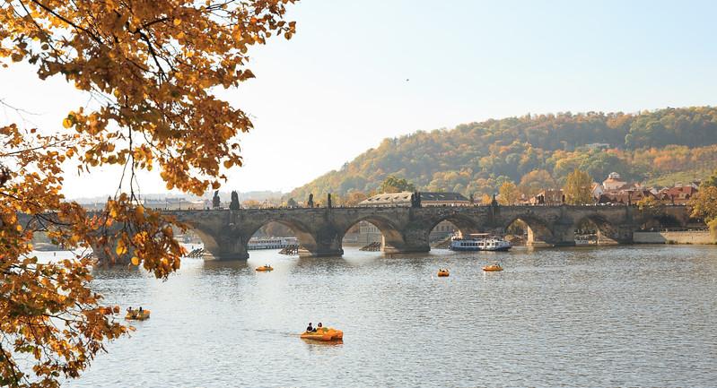 prag bridge-1.jpg
