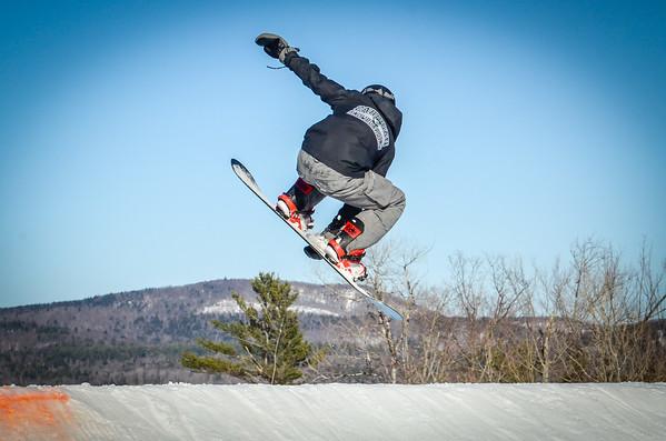 Varsity Snowboarding on Ragged Mountain