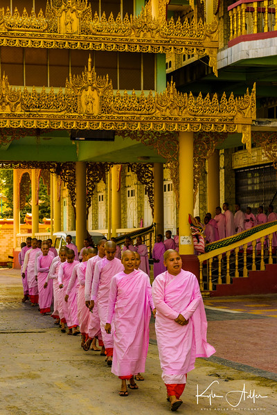 A fascinating visit to Myawaddy Nunnery, where we had the opportunity to meet some of the more than 200 novice nuns who study there.