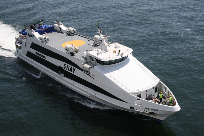2009 - HSC SNAV ORION arriving to Napoli.