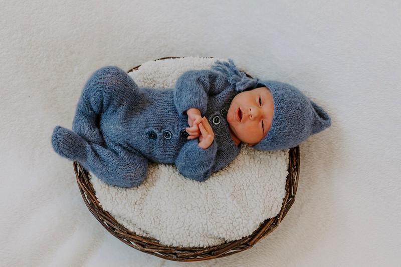 newborn-harrison_2.jpg