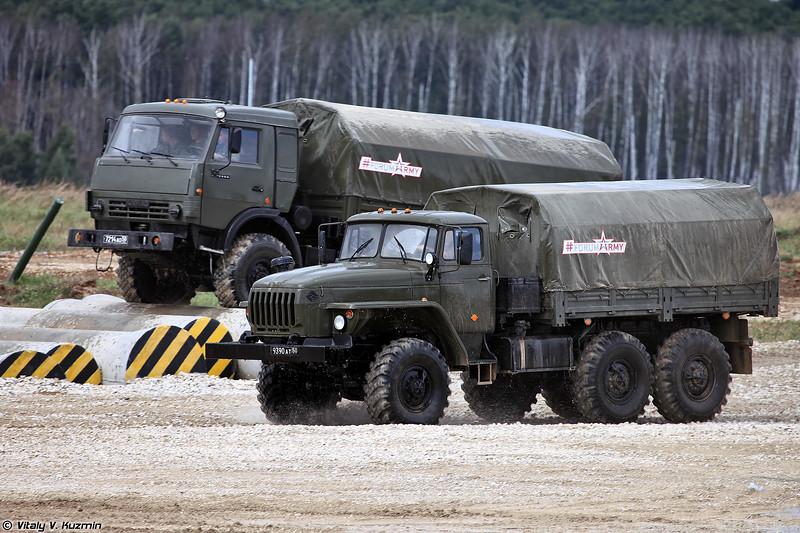 Урал-4320 и КАМАЗ-5350 (Ural-4320 and KAMAZ-5350)