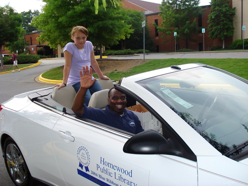Breanna & Lonnie Jones, Circulation Dept_ Head, are ready to throw candy to parade watchers.jpg