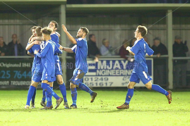 CHIPPENHAM TOWN V CHESHAM UNITED MATCH PICTURES 22nd NOVEMBER 2014