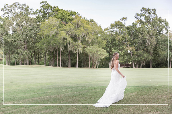 Spanish moss-draped bridal session at Bay Oaks Country Club in Houston Texas