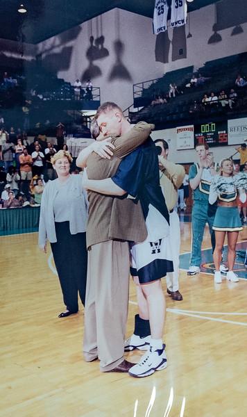 UNCW Basketball 99-00-25.jpg