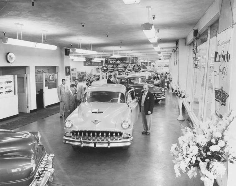 1953, Showroom Pose