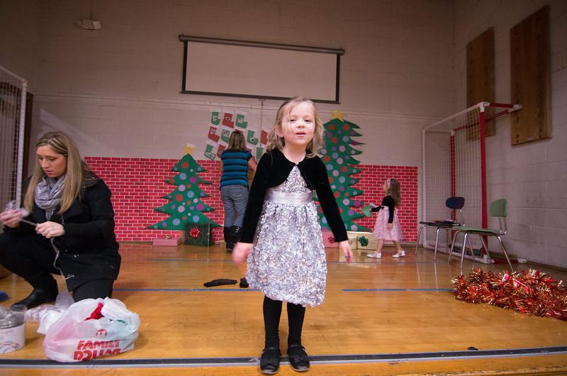 12.17.2014 - Riverview Co-Op Preschool Christmas Program - _CAI6107.jpg