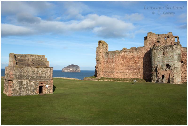 Tantallon Castle, North Berwick (1)