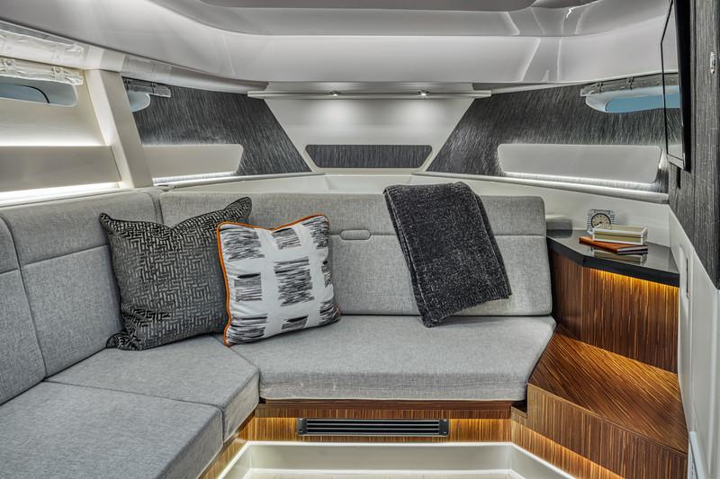 2021-Sundancer-370-Outboard-DAO370-salon-seating-04969.jpg