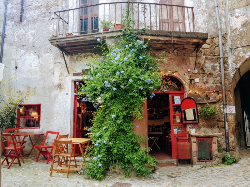 Calcata Vecchia cafe