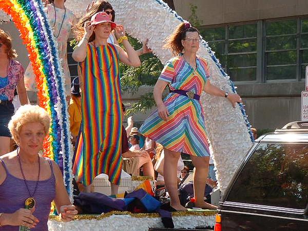 Pride Parade 2001-8.jpg