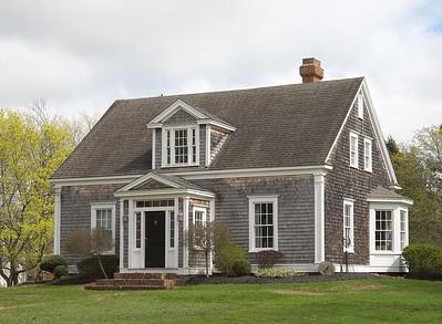 Bent House : 171 East Victoria Avenue