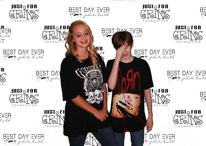 BDE2016-JustForGrinsFoundation-2016-PaulMitchellSchool-1067.jpg