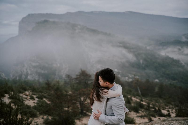 Tu-Nguyen-Destination-Wedding-Photographer-Rougon-South-of-France-Videographer-Ryan-Sophia-117.jpg