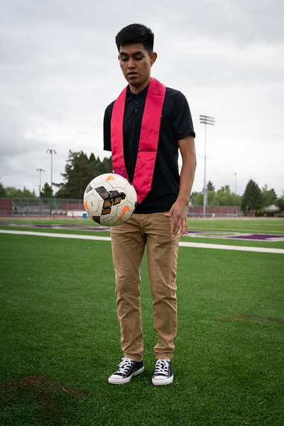 1905_15_efrain_senior_pictures-03657.jpg