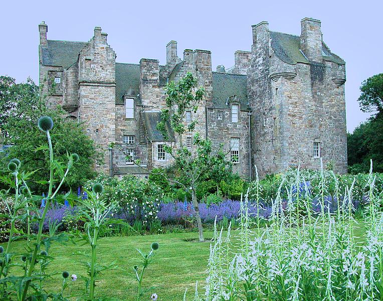Kelly Castle