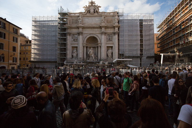 Despite the heavy construction, there were huge crowds at the Trevi Fountain.