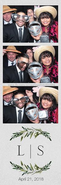 ELP0421 Lauren & Stephen wedding photobooth 32.jpg