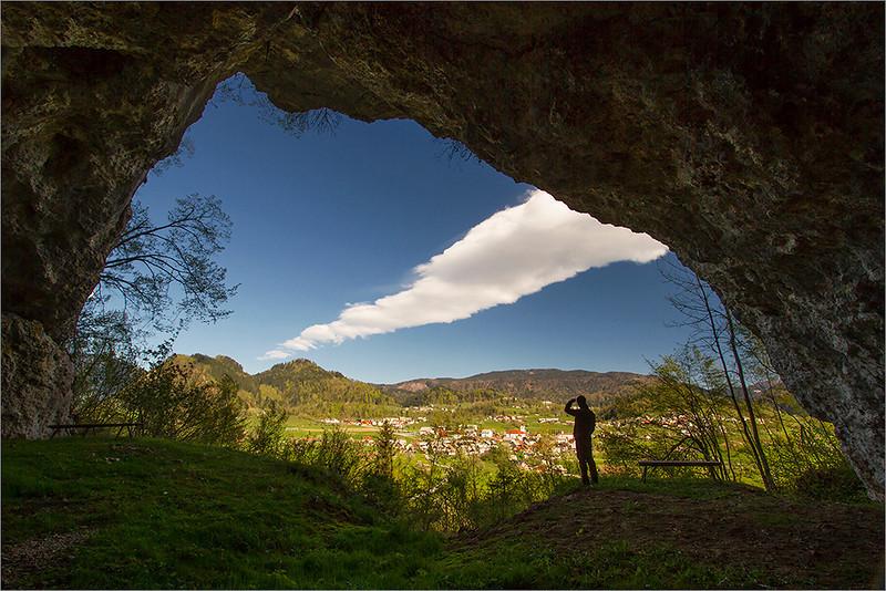 Poglejska Cerkev cave