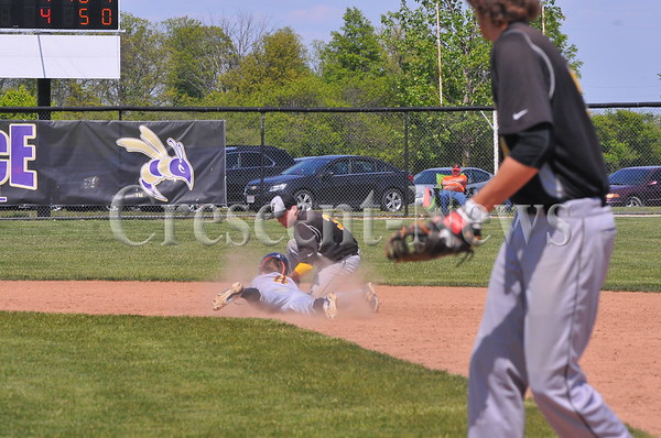 05-19-16 Sports Fairview vs Archbold Dist. BB
