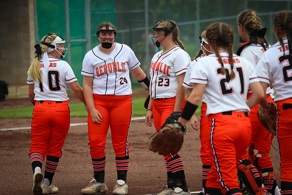 20180824 Varsity Softball vs Monett